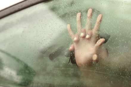 buitensex in een auto is heel spannend