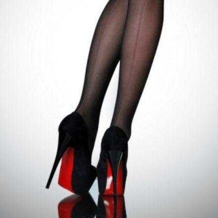 fetisjisme als webcamwerk gecombineerd met schoenen