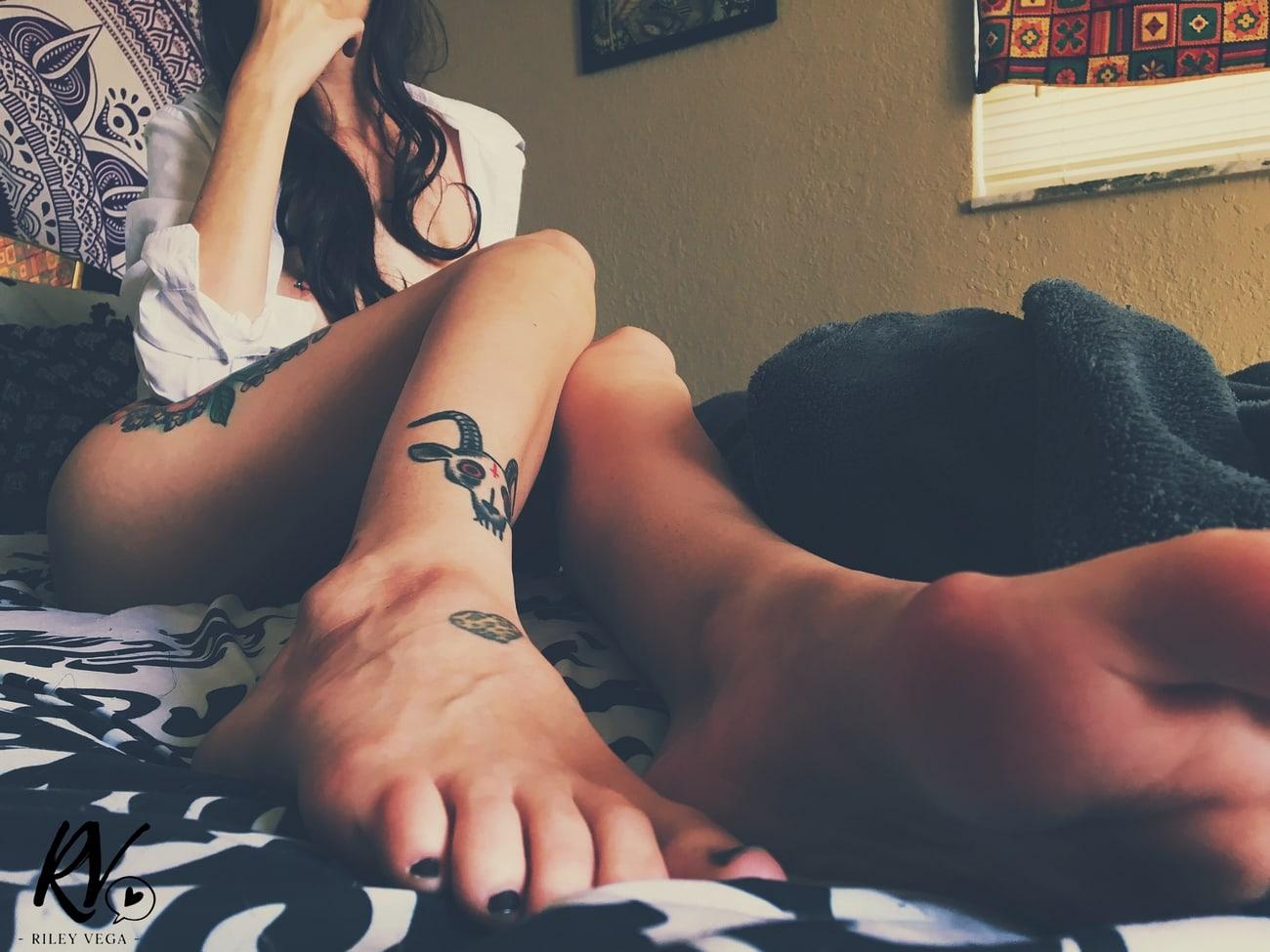 foto Riley Vega tatoo op haar been